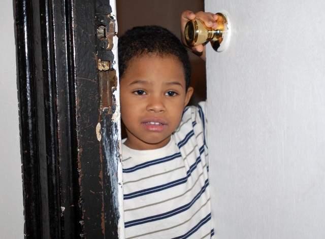 Anuncian disminución de niños contaminados con plomo en NYC