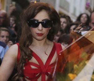 Lady Gaga recibirá premio de manos de Yoko Ono (Video)