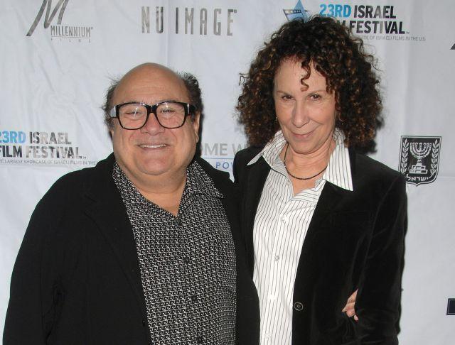 DeVito se divorcia después de 30 años