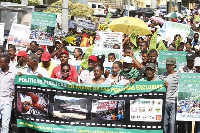 Marcha contra reforma fiscal en RD