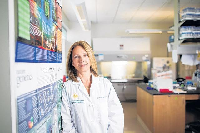 Investigadora  acerca las ciencias a los  latinos