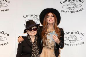 Yoko Ono invita a los niños a pintar por la paz