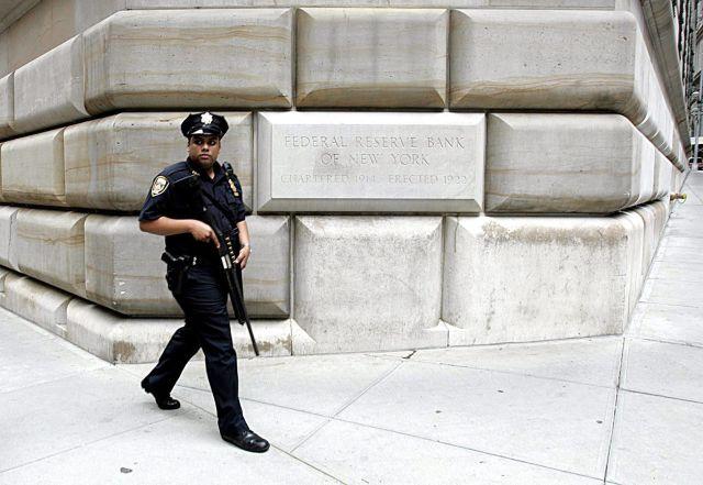 Hombre arrestado por intentar volar Reserva Federal