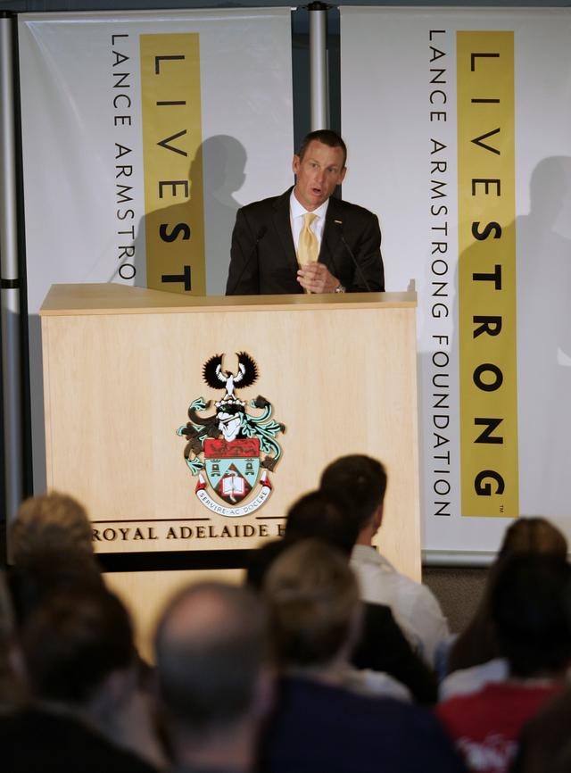 Armstrong deja presidencia de Livestrong