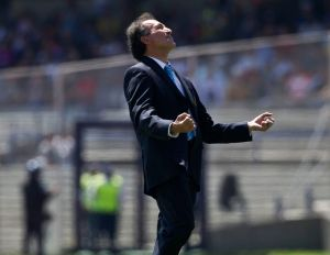 Carrillo le da la espalda a Romagnoli y Villa