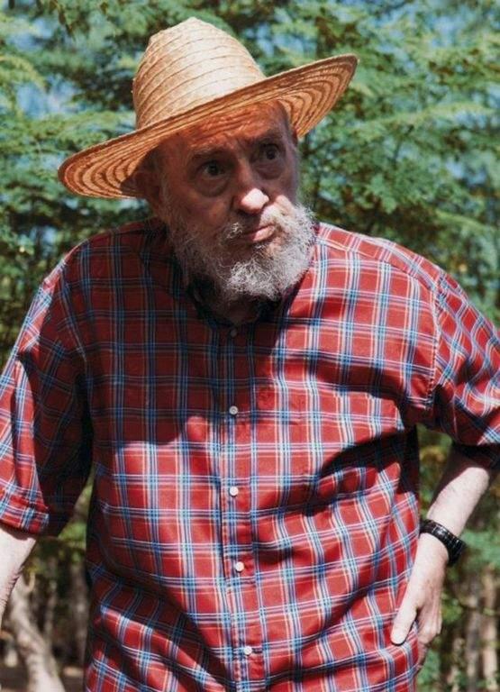 Fidel Castro asegura que no le duele ni una uña (Fotogalería)