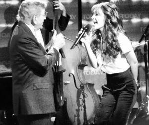 Thalía agradece a Tony Bennett (Fotos y video)
