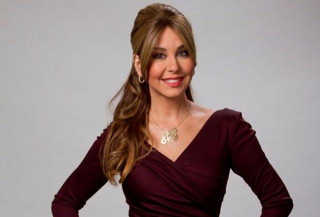 Myrka Dellanos, la ex estrella de Primer Impacto, con un vestido muy sexy y atrevido