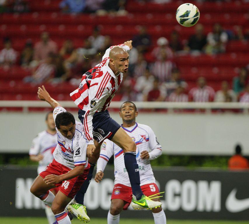Vence Chivas al Xelajú, pero queda fuera de Concachampions