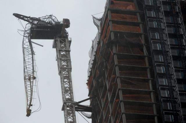 Sandy crea emergencia con grúa en pleno corazón de Manhattan (Fotos y video)