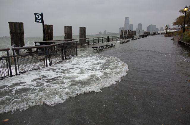 Huracán Sandy: Lo peor llegaría esta noche y ya hay inundaciones (fotos)