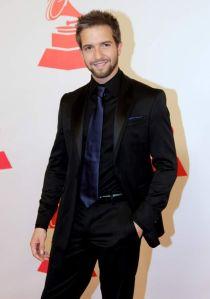 Pablo Alborán espera los Latin Grammy y el estreno de 'Tanto' (Videos)