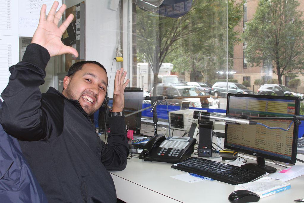 Despachador de taxis advierte sobre el tráfico en NY (video)