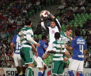 Santos mantiene esperanzas y aplaza calificación de Cruz Azul