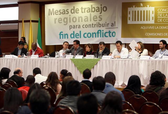 Preparan diálogo con las FARC