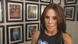 Rebecca Jones firma con Telemundo (Video)