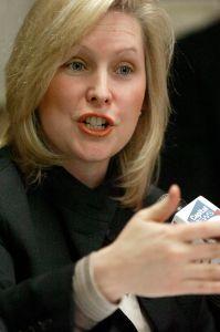 La senadora Gillibrand aboga por ampliar la protección a inquilinos en todo el país
