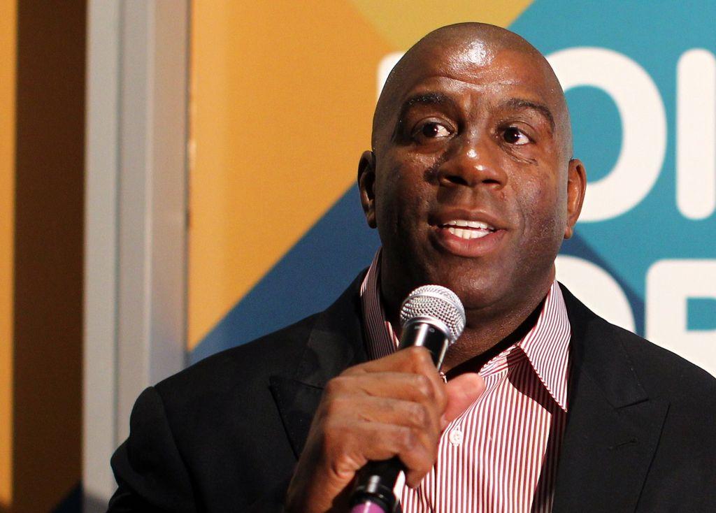 'Magic' Johnson vota por Phil Jackson para dirigir a los Lakers