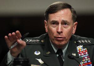 David Petraeus, el general que arruinó su carrera por un engaño