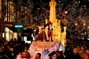Aterrizan Mickey, Minnie y Santa Claus en Chicago