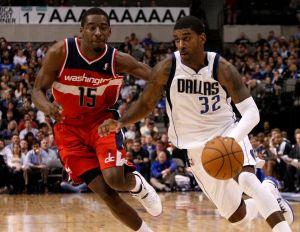 Mavericks ganan a Wizards con 23 puntos de Kaman