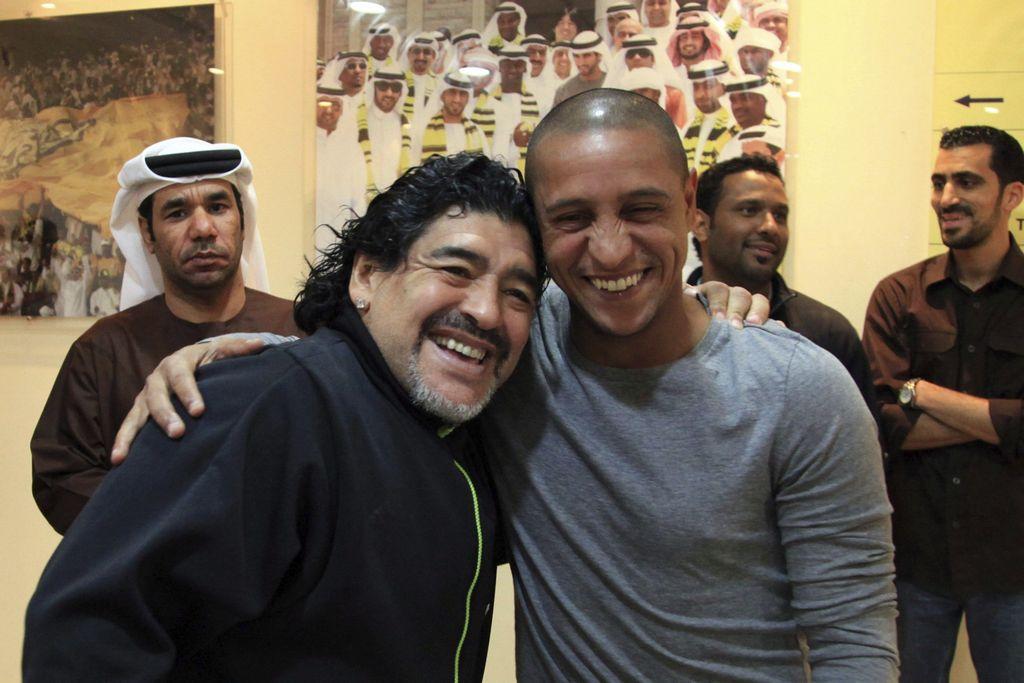 Ex futbolista Roberto Carlos 'visita' a selección peruana