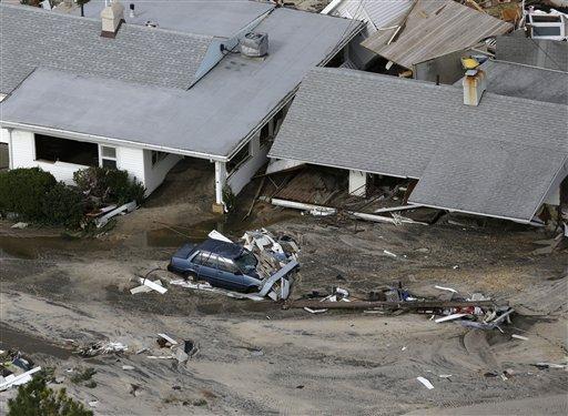 Conductores de grúa estafan a víctimas de Sandy