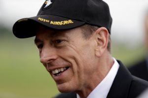 Caso David Petraeus enturbia la  política