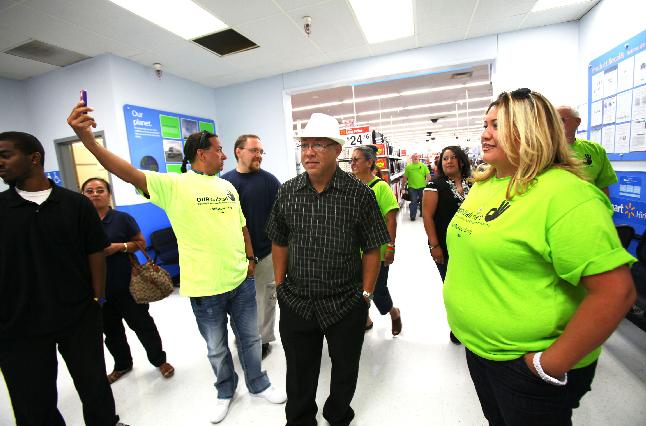 El Viernes Negro habrá protestas en 1,000 tiendas Walmart (Fotos)