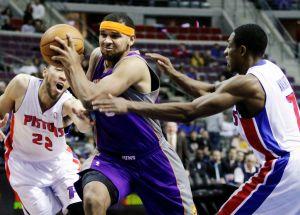 Pistons propina paliza a Suns con ayuda del dominicano Villanueva
