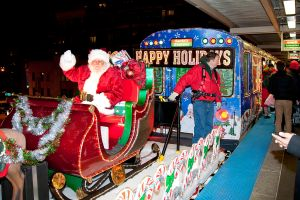 Santa Claus se sube al tren de la CTA (Video)