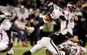 Peyton Manning y los Broncos superan a los Raiders