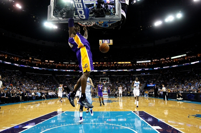 Kobe es el más joven con 30 mil puntos