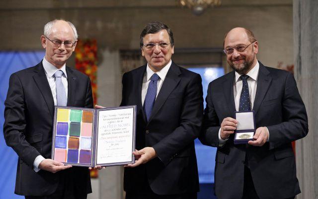 UE recibe Nobel de la Paz con el euro como símbolo de unidad