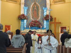 Celebran a la Virgen en su parroquia centenaria en Houston