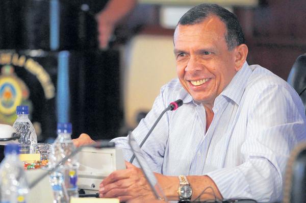 Presidente de Honduras convoca a diálogo nacional (Video)
