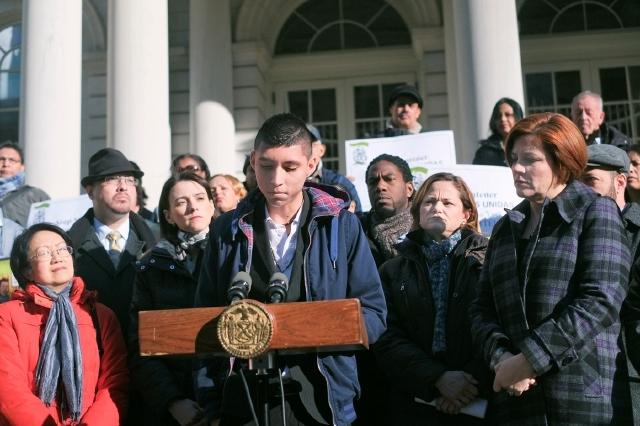 Concejo Municipal busca frenar las deportaciones en NY