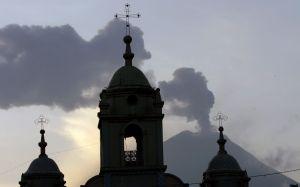 La actividad del volcán ecuatoriano Tungurahua se mantiene alta (Video)