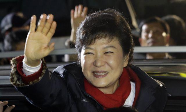 Corea del Sur elige a primera mujer presidenta (Fotos y Video)