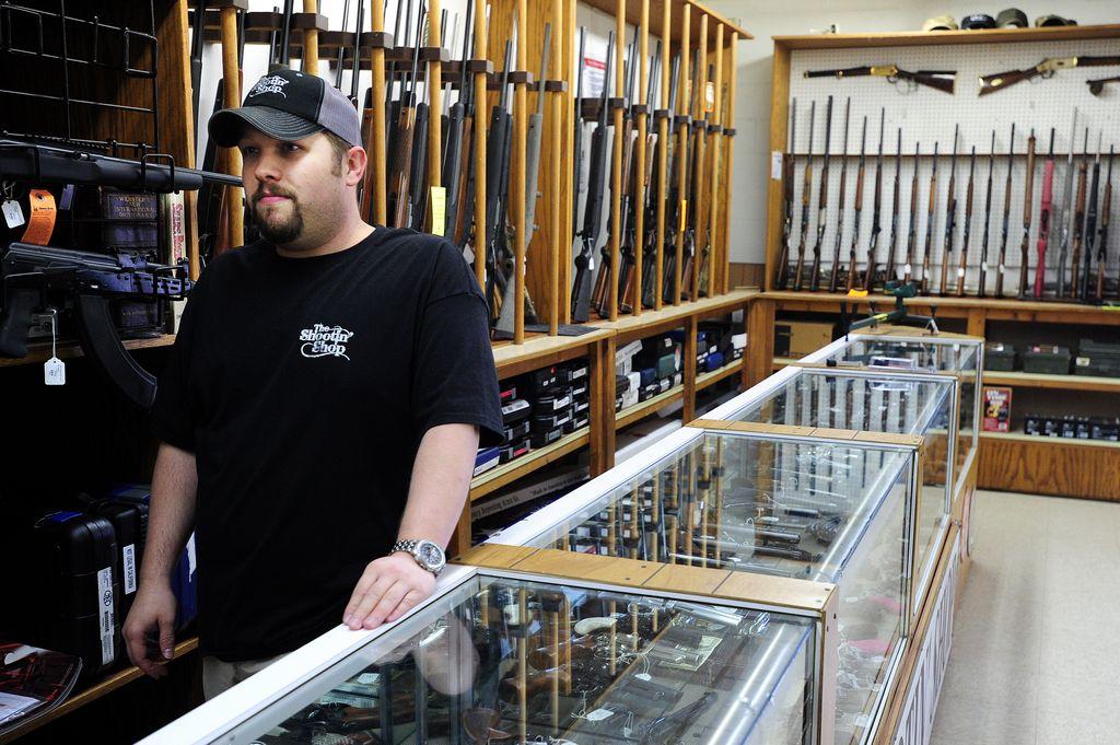 Se disparan las ventas de armas en EEUU tras masacre en Connecticut