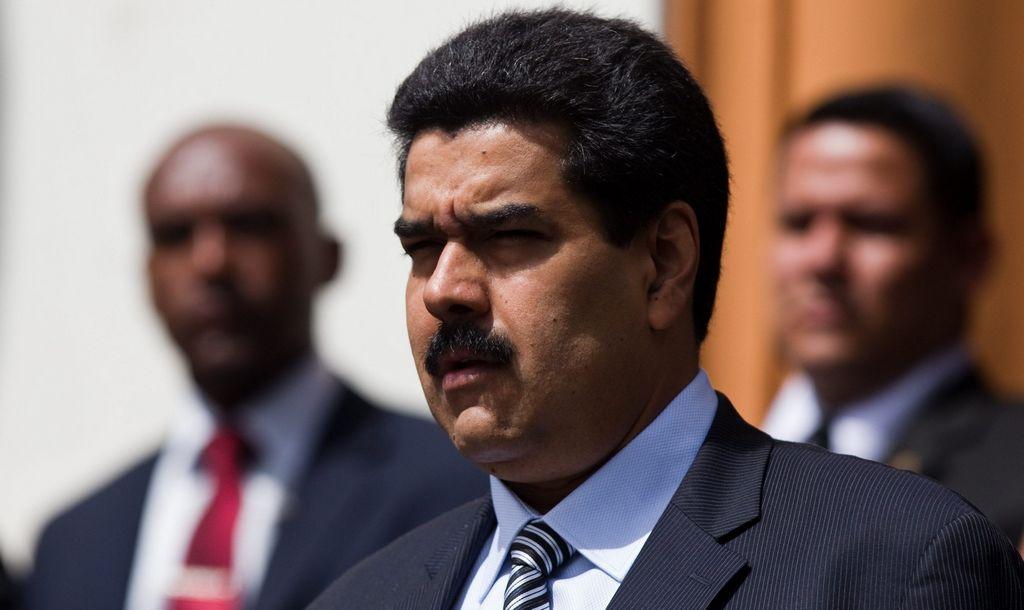 Maduro recibe instrucciones de Chávez desde Cuba