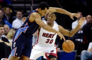 LeBron James da sexto triunfo consecutivo a los Heat (Fotos)