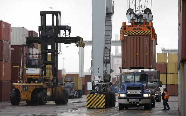 Pacto de último minuto frena huelga en puertos de EE.UU.