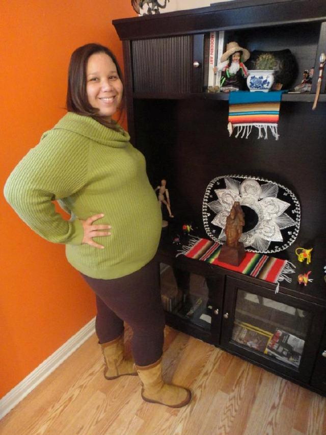 Latinas ansían ser las madres del primer bebé del año