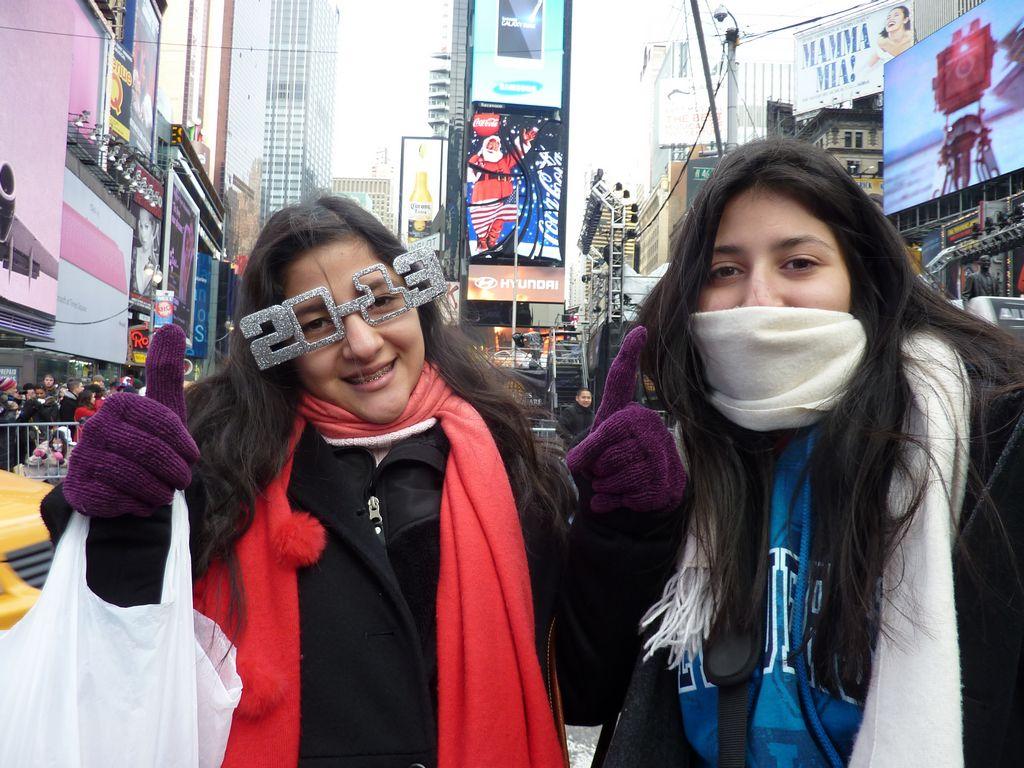 Da inicio la fiesta en Times Square (fotos)