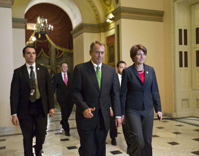 Aprobación del plan fiscal destapa fisuras entre republicanos