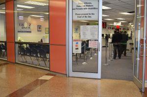 Comité aprueba licencias para indocumentados en Illinois