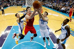Mason y Hornets derrotan a Rockets de Houston (Fotos)