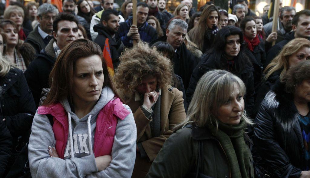 Parlamento griego aprueba importante ley fiscal