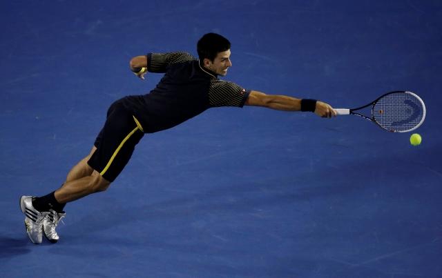 Djokovic y Sharapova contundentes
